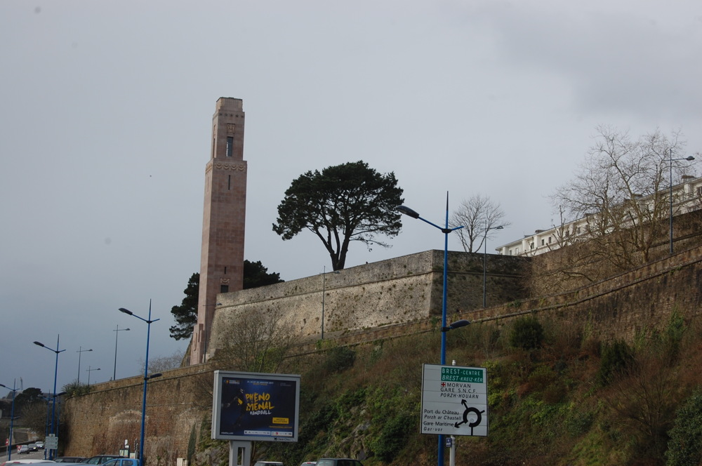 photoblog image LA TOUR ROSE A BREST